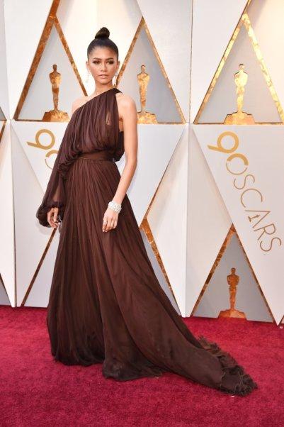 Zendaya-Giambattista-Valli-Dress-Oscars-2018