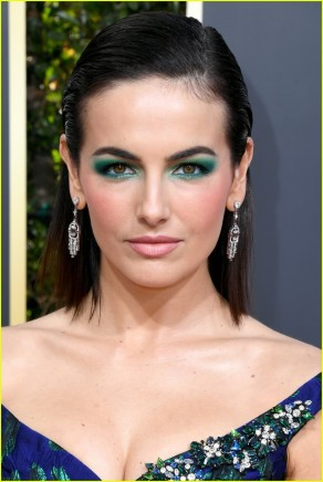 camilla-belle-is-a-beauty-in-blue-at-golden-globes-2019-02.jpg